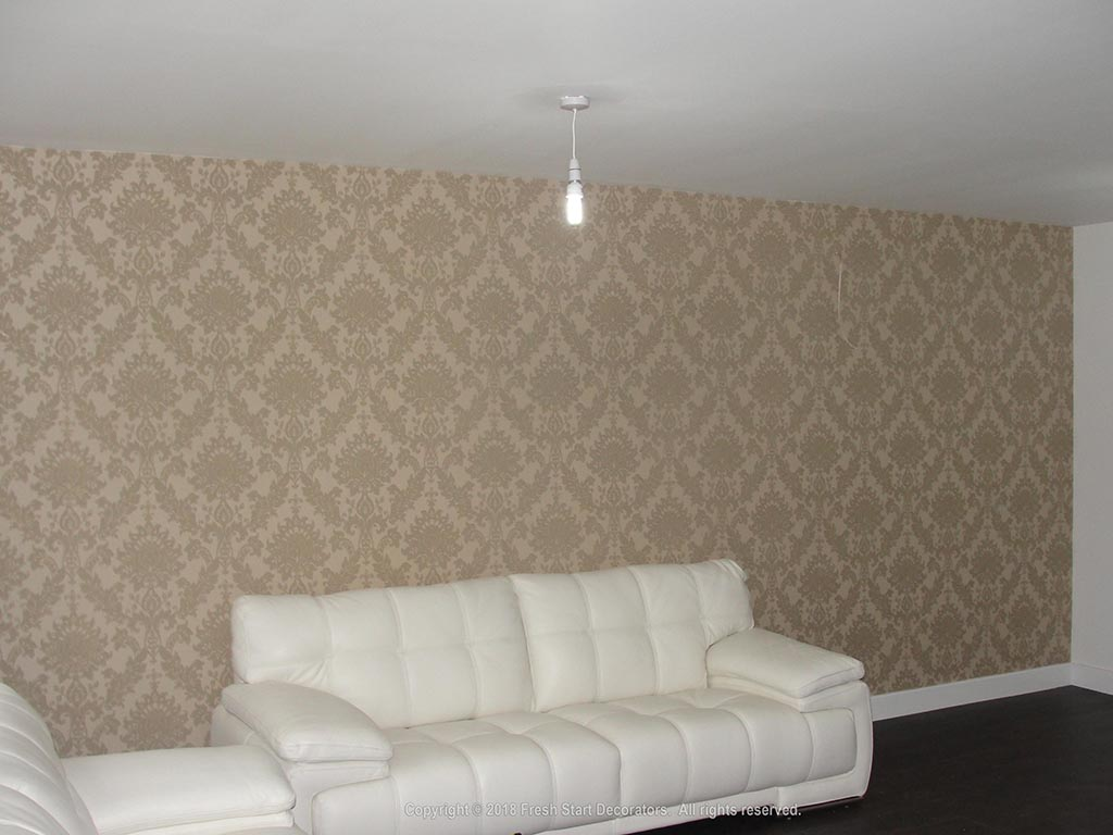 sitting room wallpaper by fresh start decorators